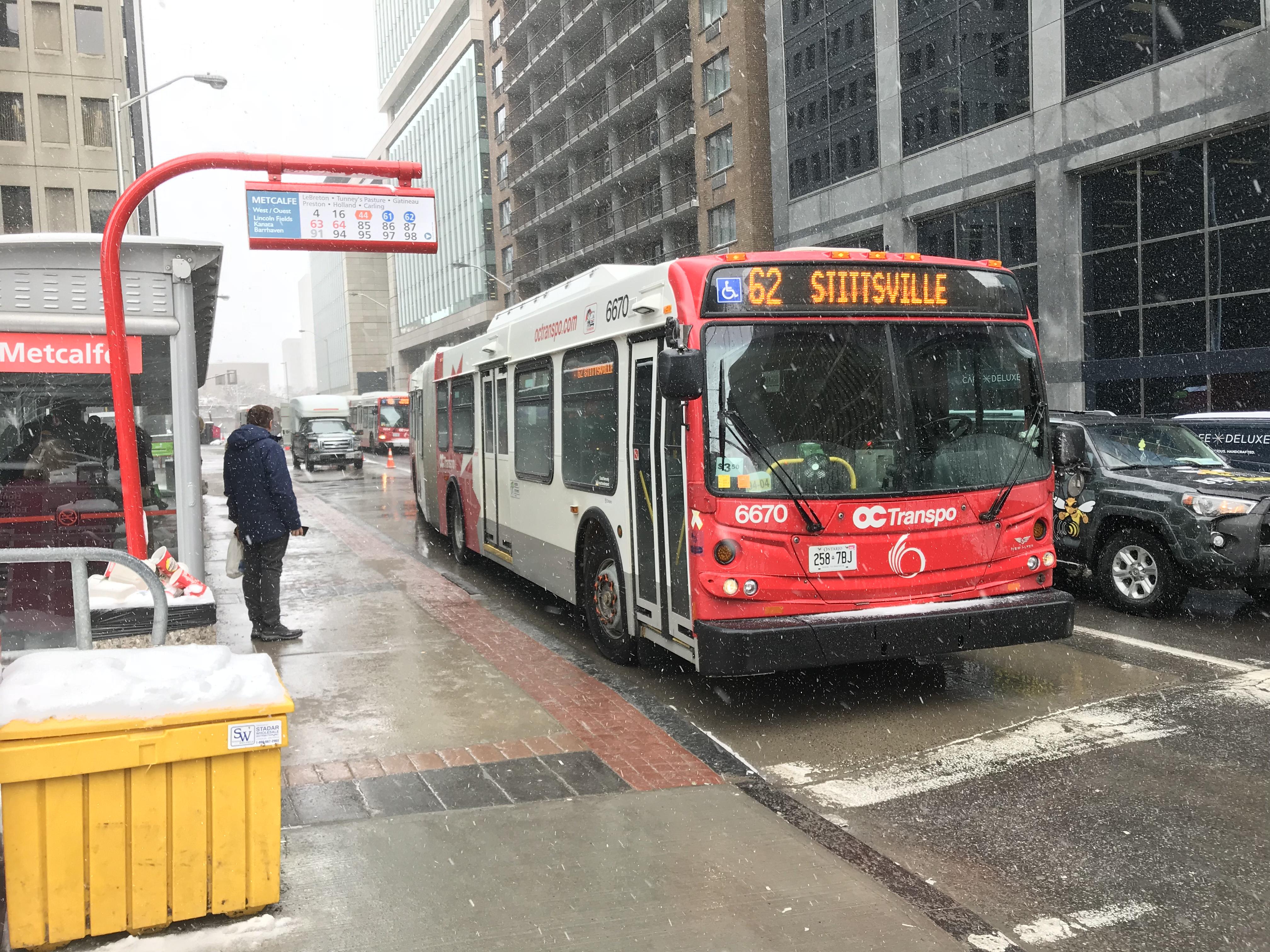 カナダ・オタワ・バス