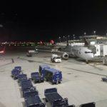 【アメリカン航空】搭乗で長蛇の列!アメリカの国内線が遅れる理由が良く分かるレビュー!アメリカン航空 ヒューストン-ロサンゼルス